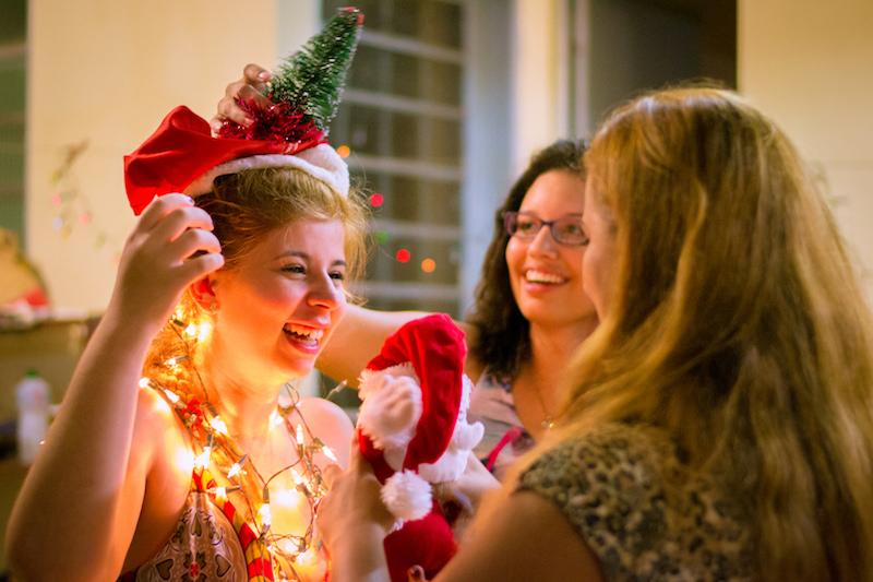 新年会、忘年会、ハロウィンパーティー、クリスマスパーティーにバルーンパフォーマーを派遣